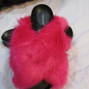 TOP SHOP Harissa Cross Strap Faux Fur Pink Sandals